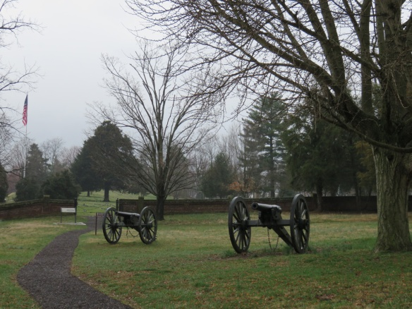 Artillery posts higher above the sunken road, higher on the hill.